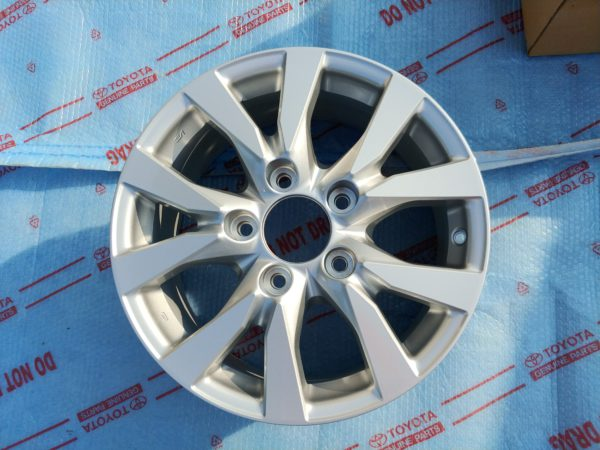 диски Toyota LC200 R18