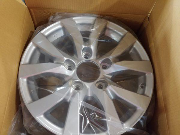 Новые диски Toyota LC200 R18